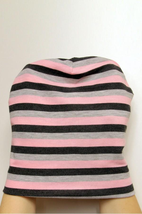 Шапка черно-серо-розовая в полоску, зимняя